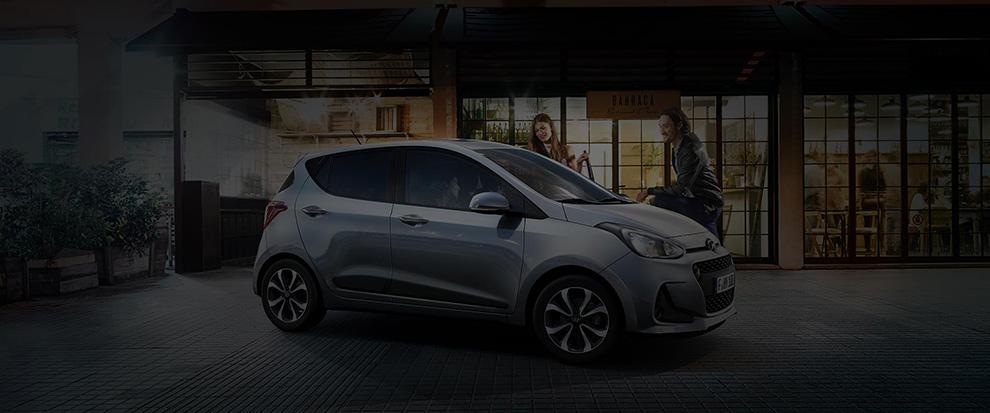 Hyundai i10 connessa sfondo