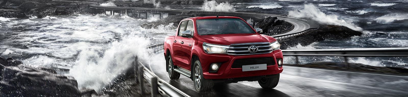Toyota Hilux 2.4 D-4D A/T 4WD 4 porte Double Cab Executive (Diesel) - Dimensioni, Consumi e Dotazioni di serie